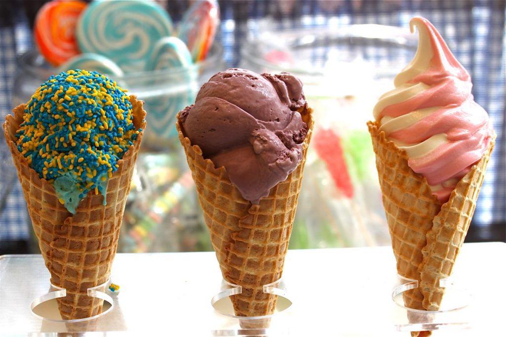 perbedaan-es-krim-gelato-sorbet-dan-serbat-1024x682